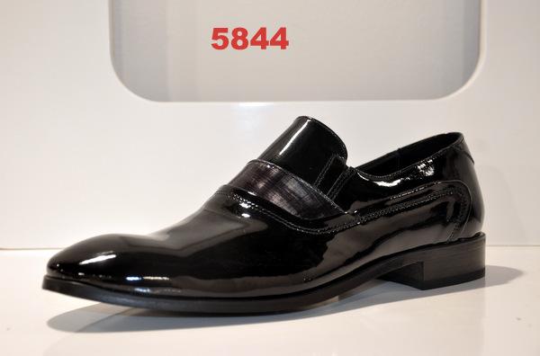 Shoes art. 5844